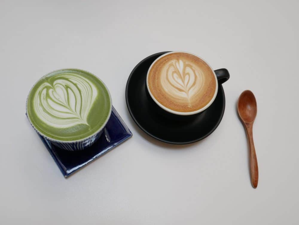 What's the difference between a coffee latte and a cappuccino?